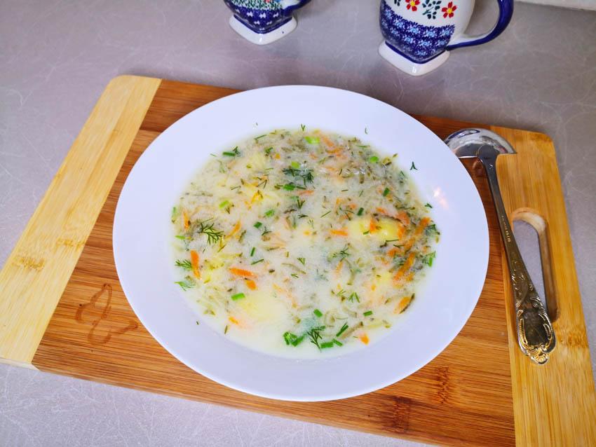 pyszna zupa ogórkowa
